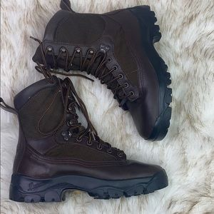 DANNER :Yellowstone Tactical Hiking Boots